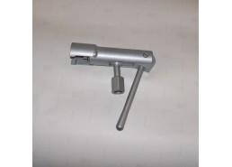 Струбцина для заправки бытовых баллонов 5-27 л (клапан)
